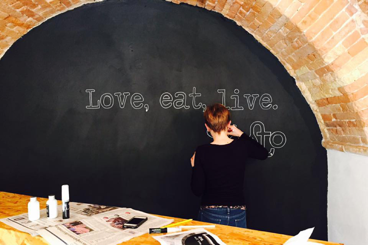 Type Mural per Tosto Bistrot